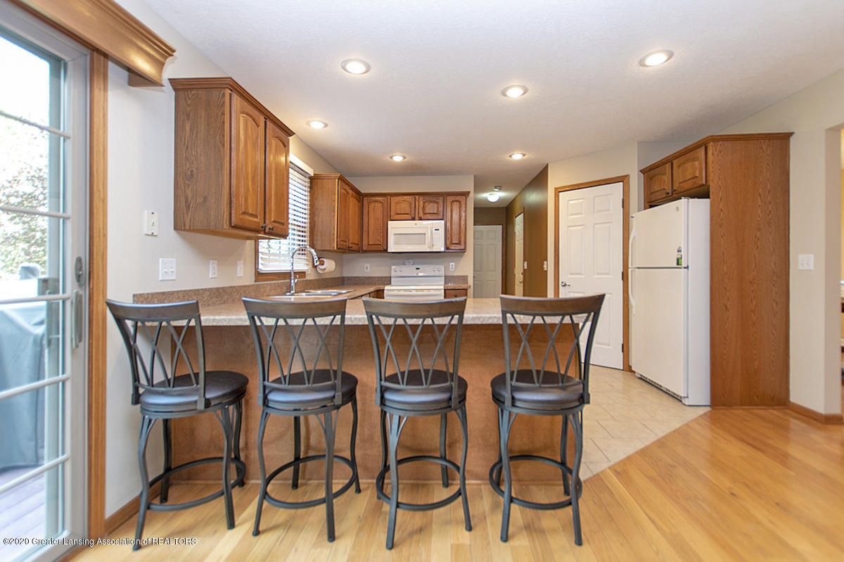 1103 Sunrise Dr - Kitchen - 6