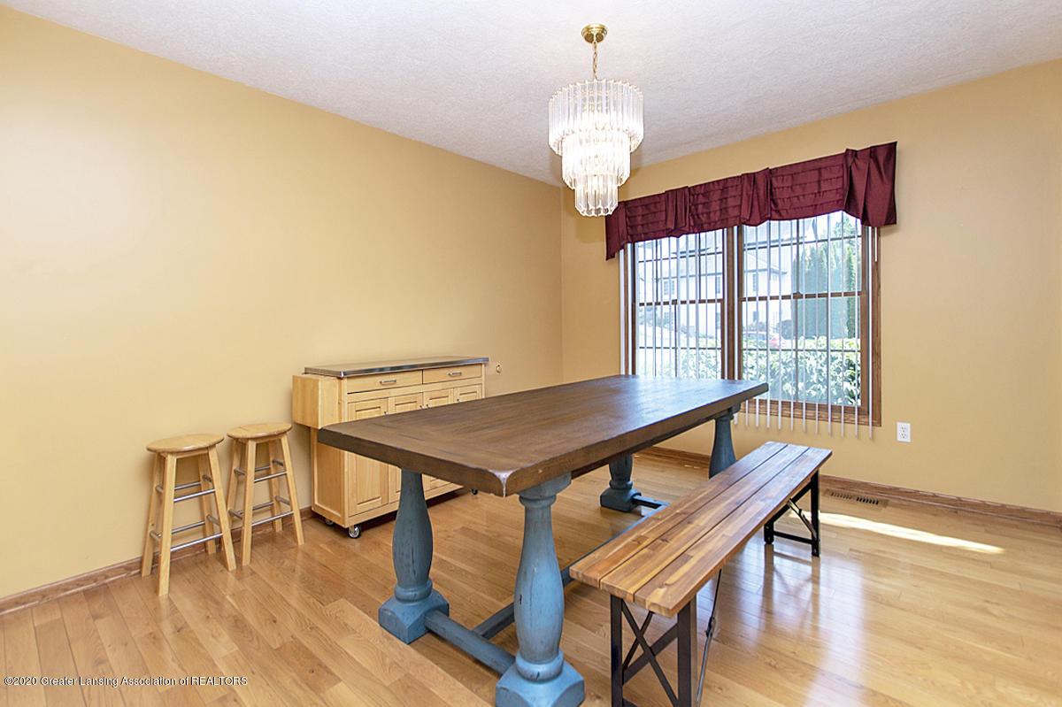 1103 Sunrise Dr - Formal Dining Room - 9