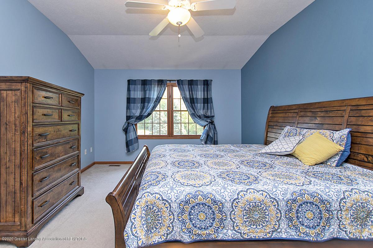 1103 Sunrise Dr - Master Bedroom - 17