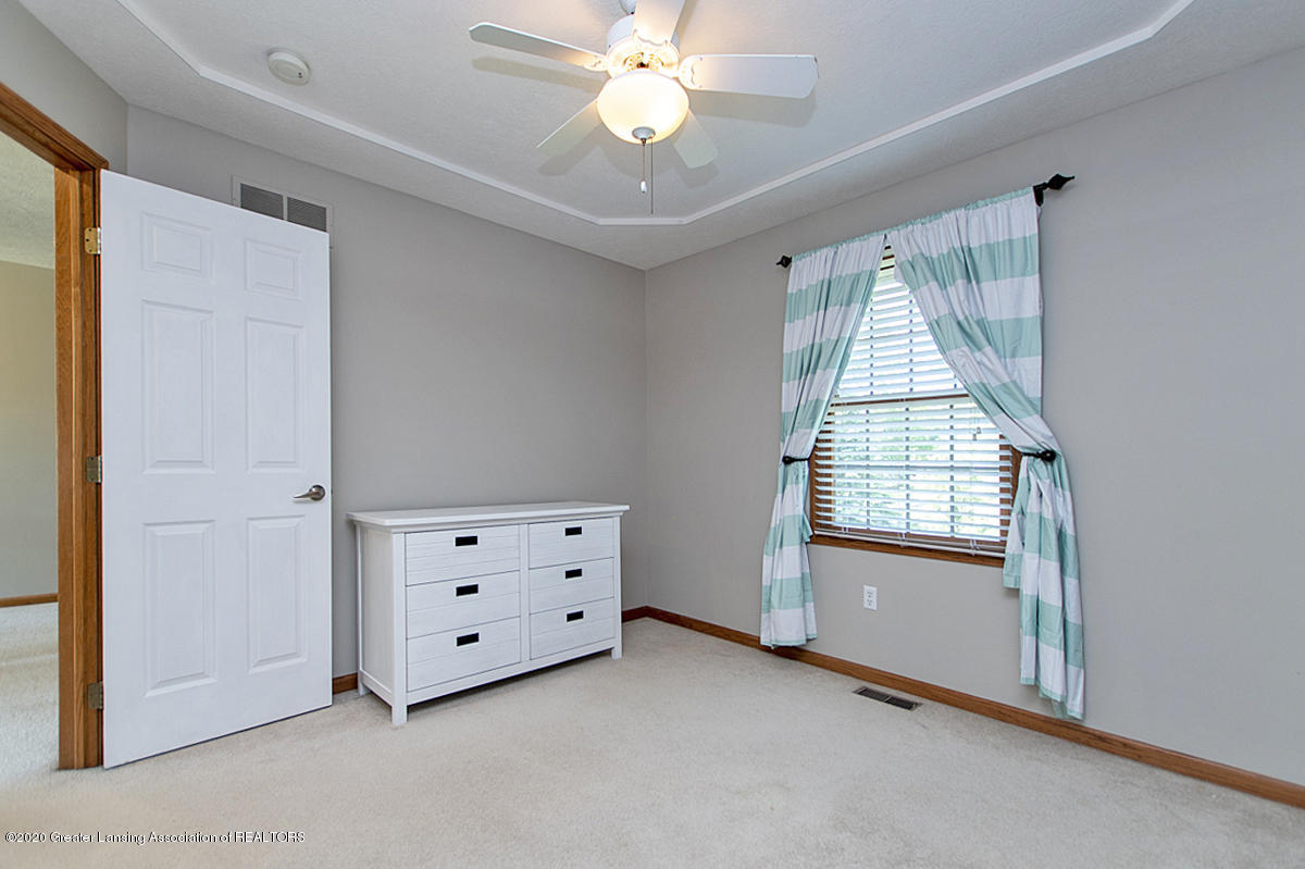 1103 Sunrise Dr - Bedroom 2 - 24