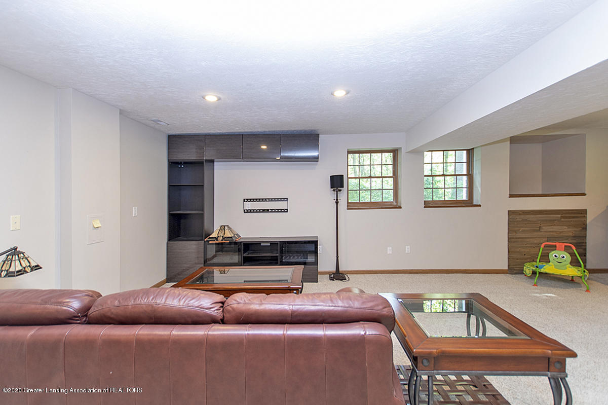 1103 Sunrise Dr - Basement Recreation Room - 28