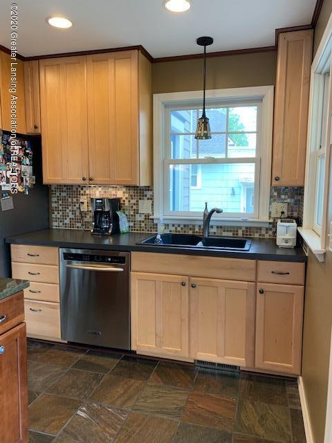 1536 N Genesee Dr - Kitchen - 13