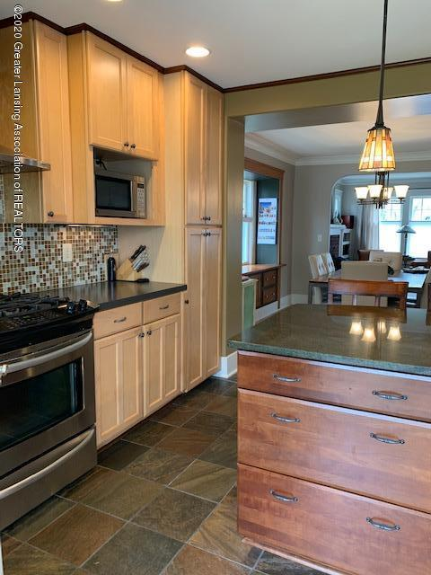 1536 N Genesee Dr - Kitchen - 15