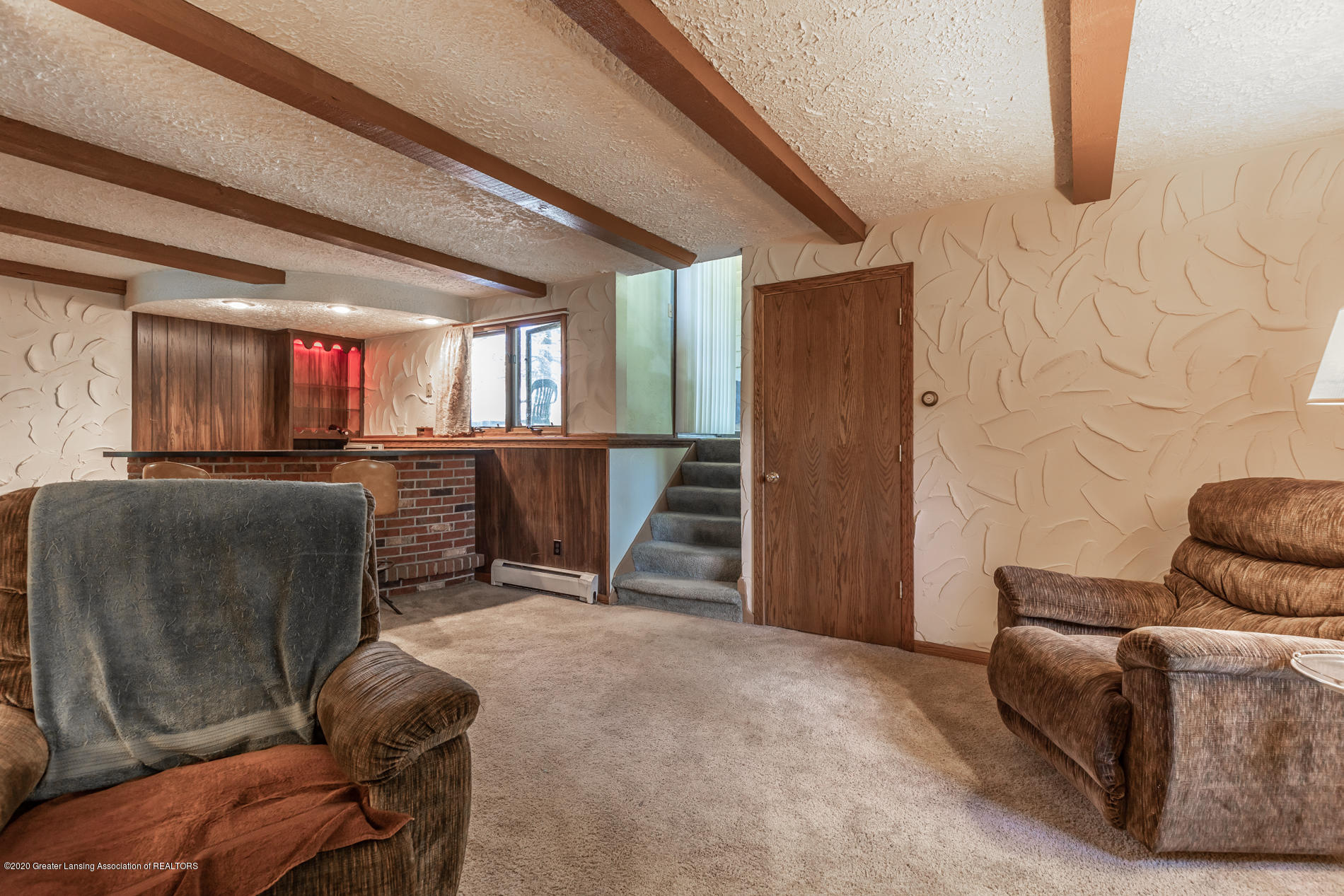 13064 Francis Rd - Family room - 14