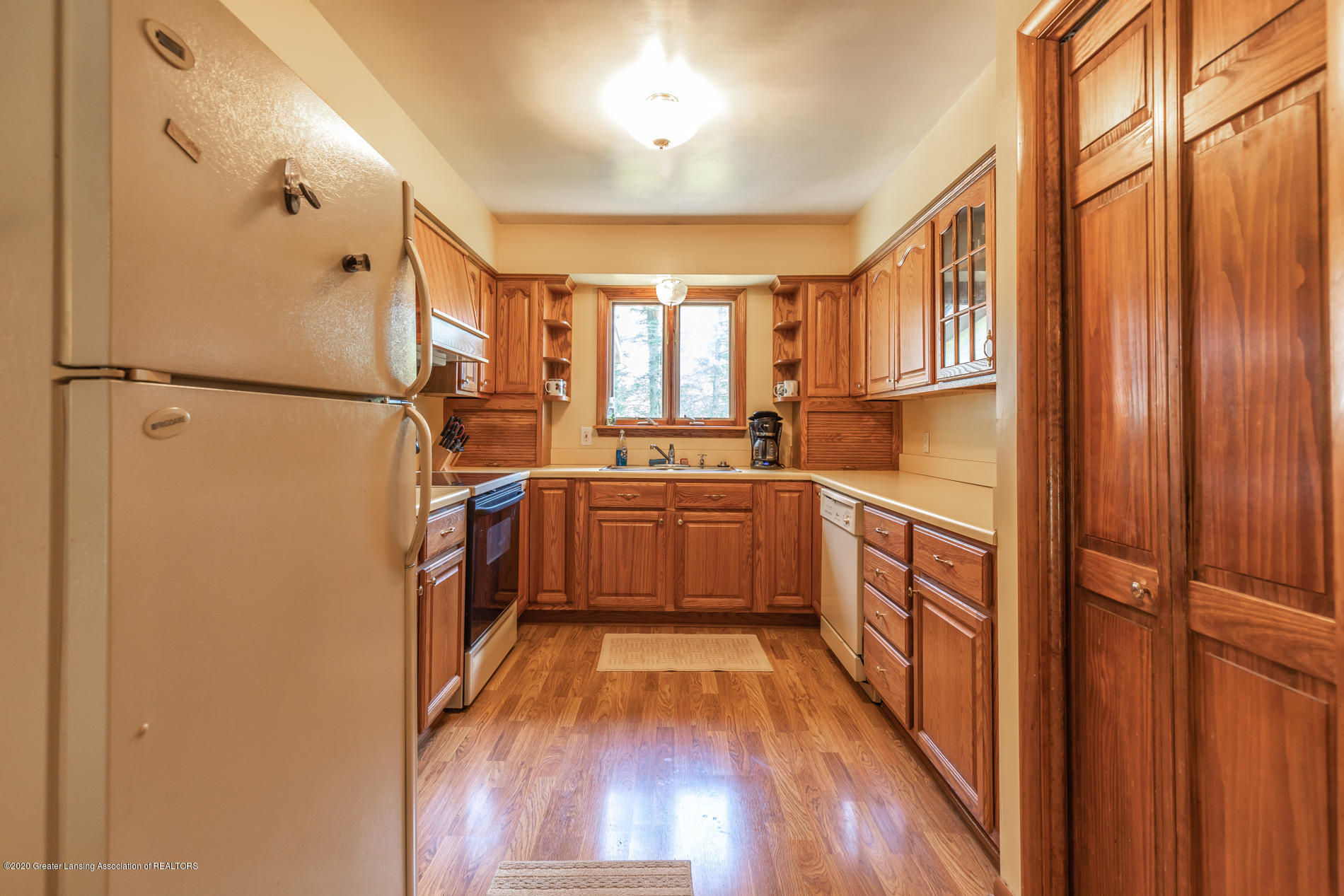 13064 Francis Rd - Kitchen - 8