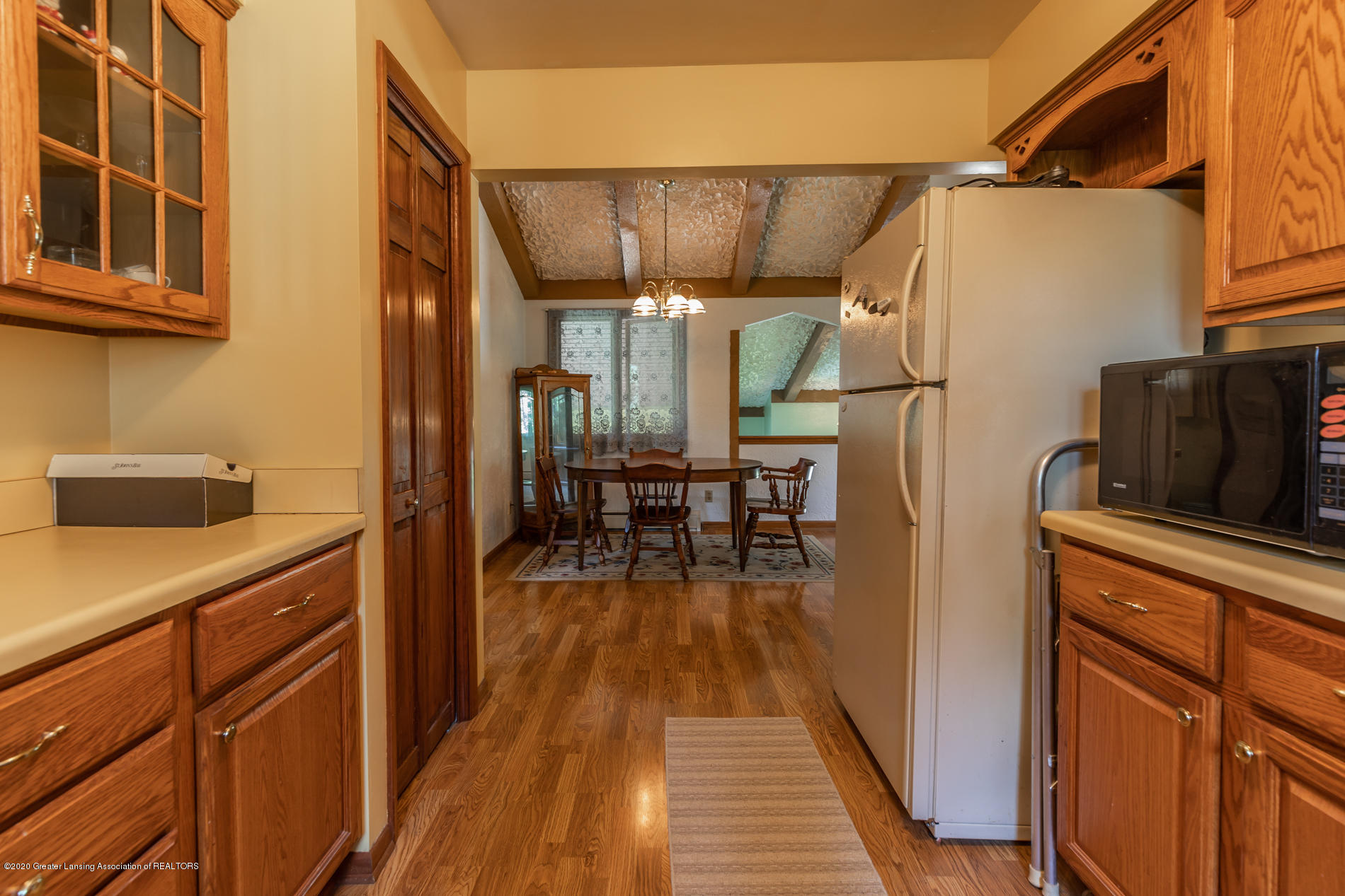 13064 Francis Rd - Kitchen - 10