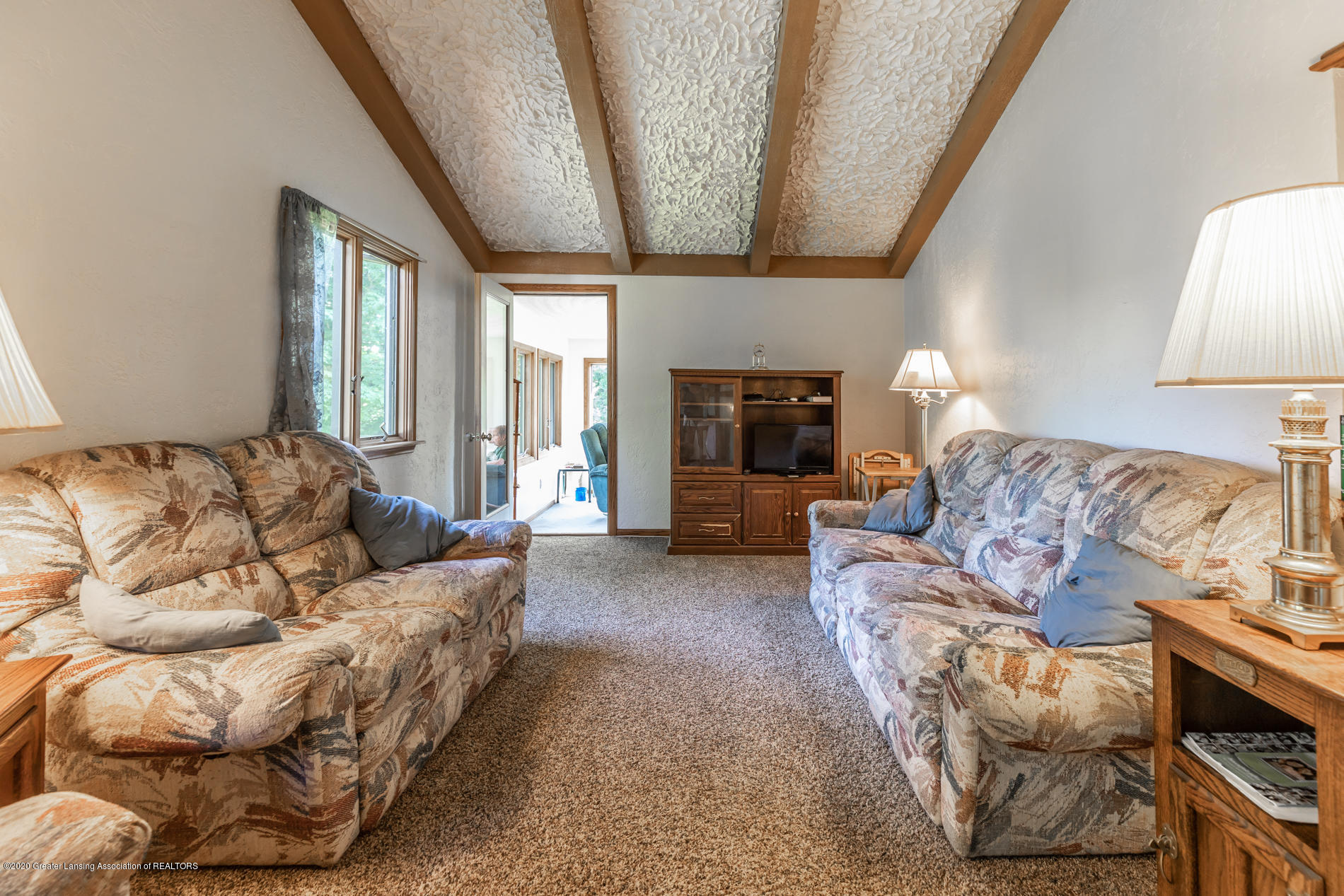 13064 Francis Rd - Living Room - 6