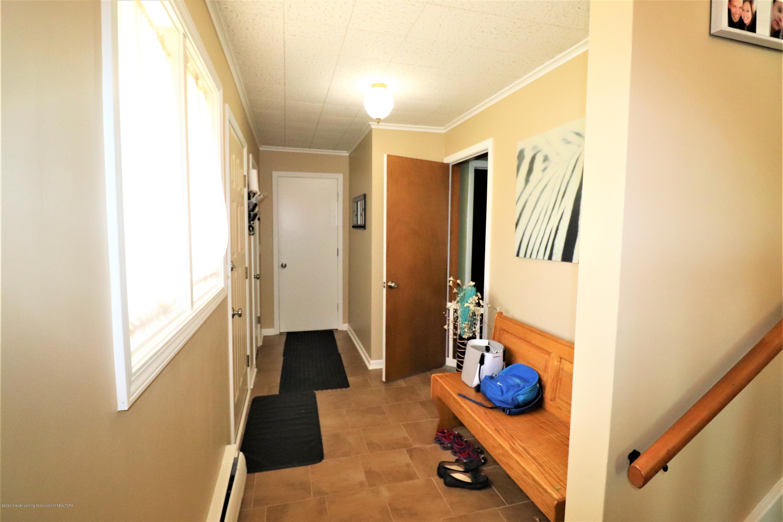 844 E Thomas L Pkwy - 2a Foyer Entry - 3