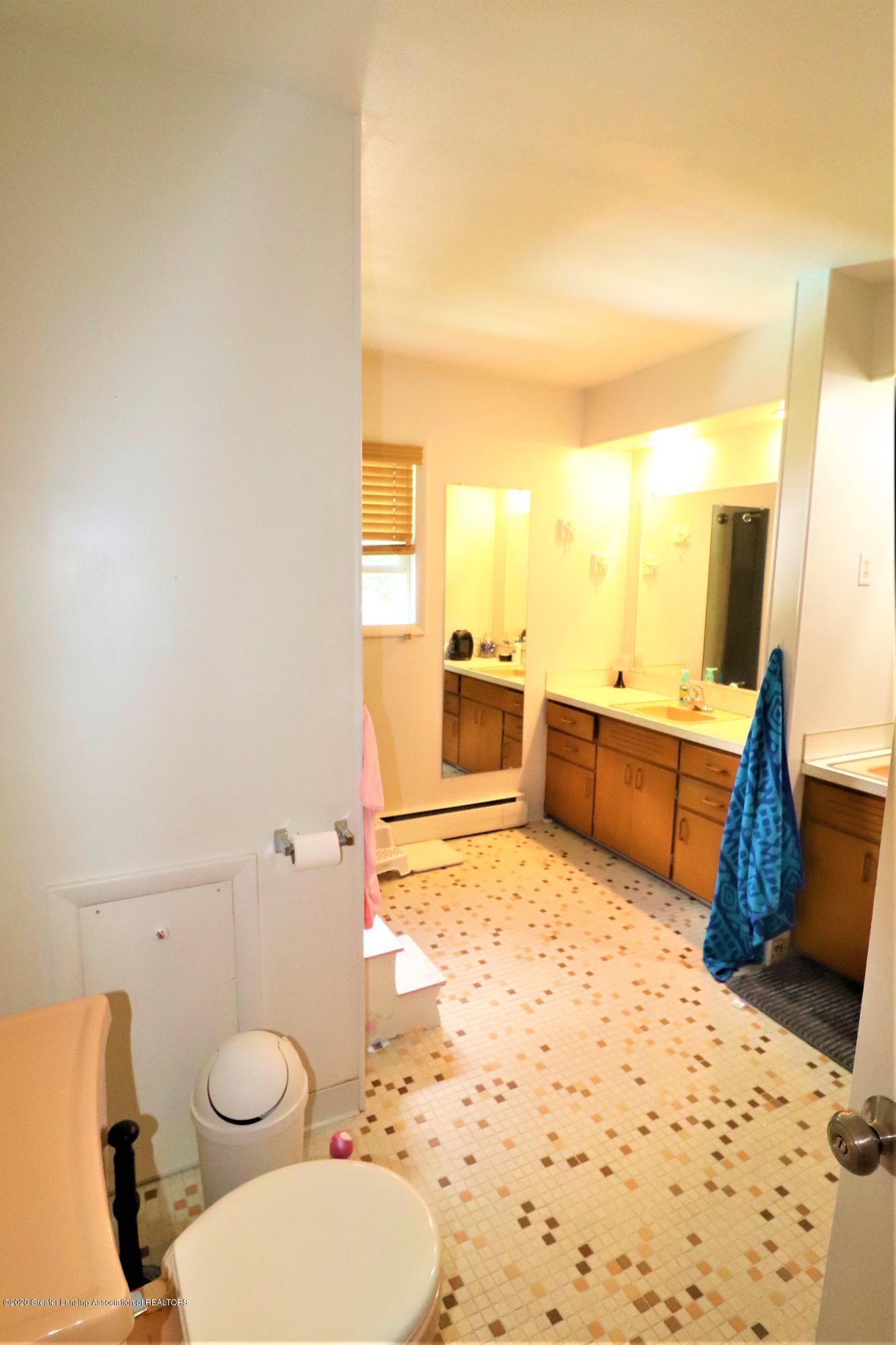 844 E Thomas L Pkwy - 18 Main Bath - 23