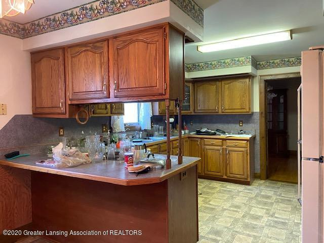 6490 W Grand River Rd - IMG_7483 - 12