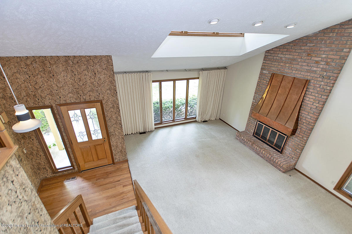 1309 Basswood Cir - Living Room - 5
