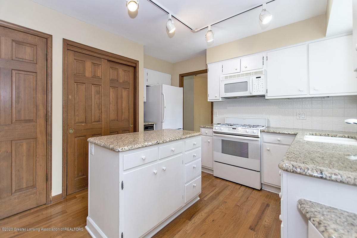1309 Basswood Cir - Kitchen - 13