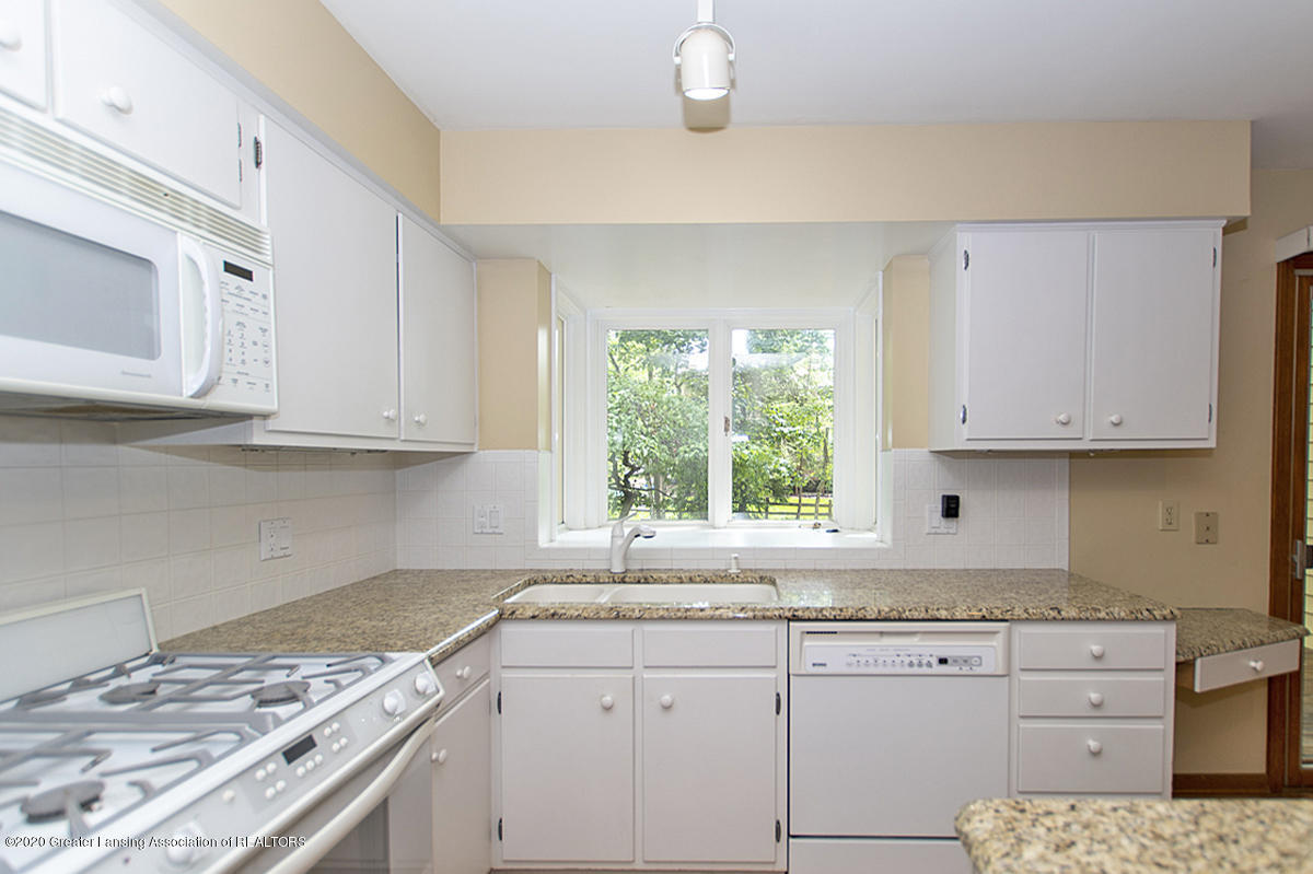 1309 Basswood Cir - Kitchen - 14