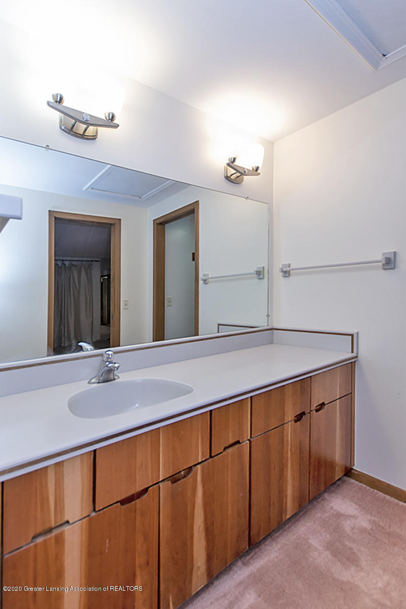 1309 Basswood Cir - Master Bath - 22