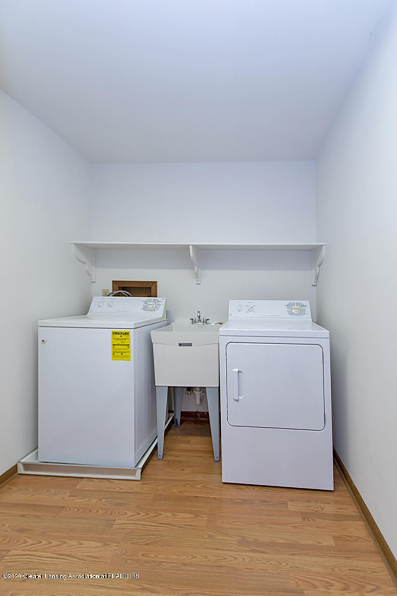 1309 Basswood Cir - 2nd Floor Laundry - 24