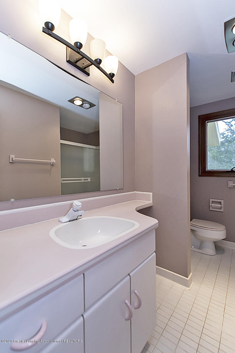 1309 Basswood Cir - Main Bath - 29