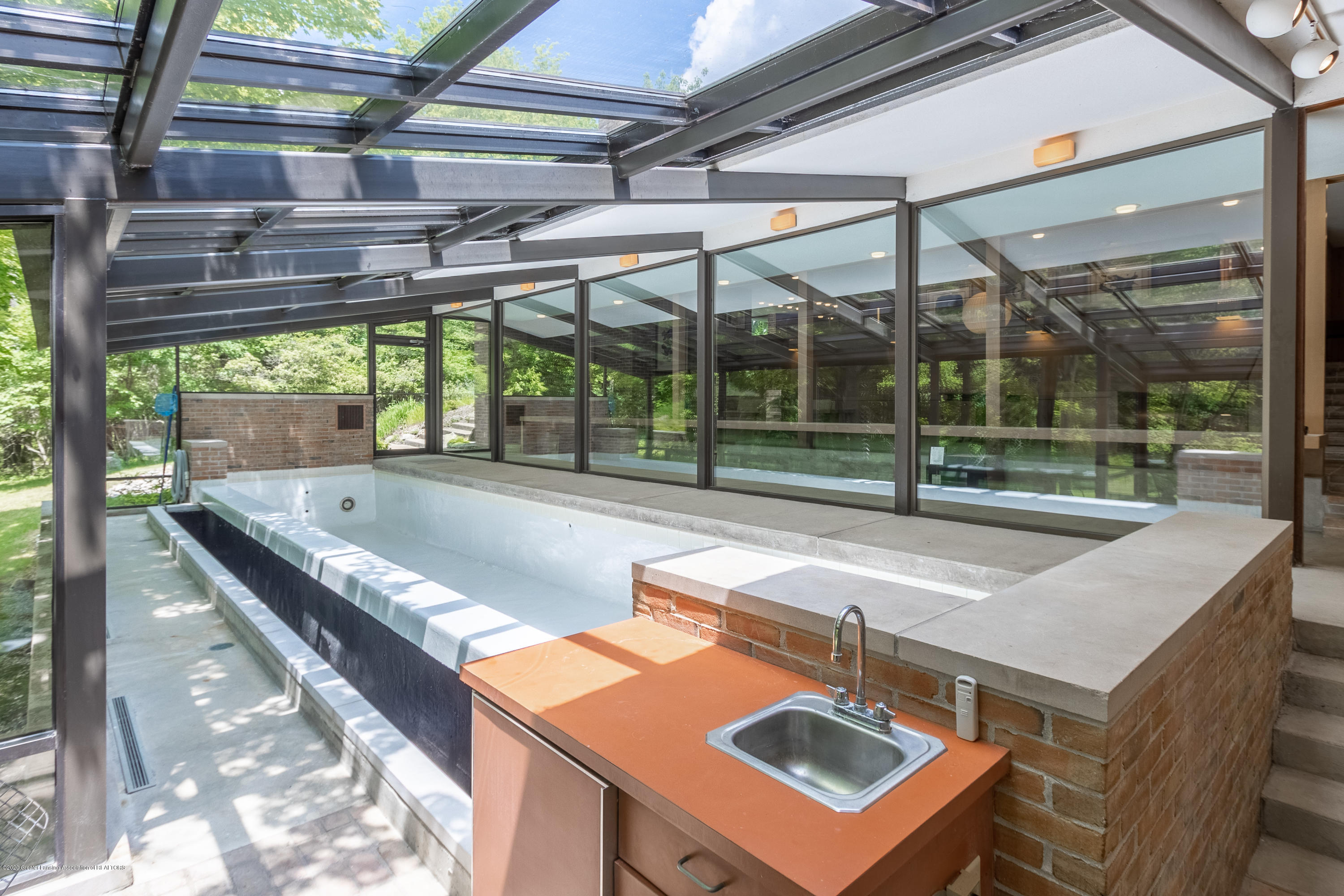 1172 Wrightwind Dr - Solarium with In-ground Infinity Pool - 36