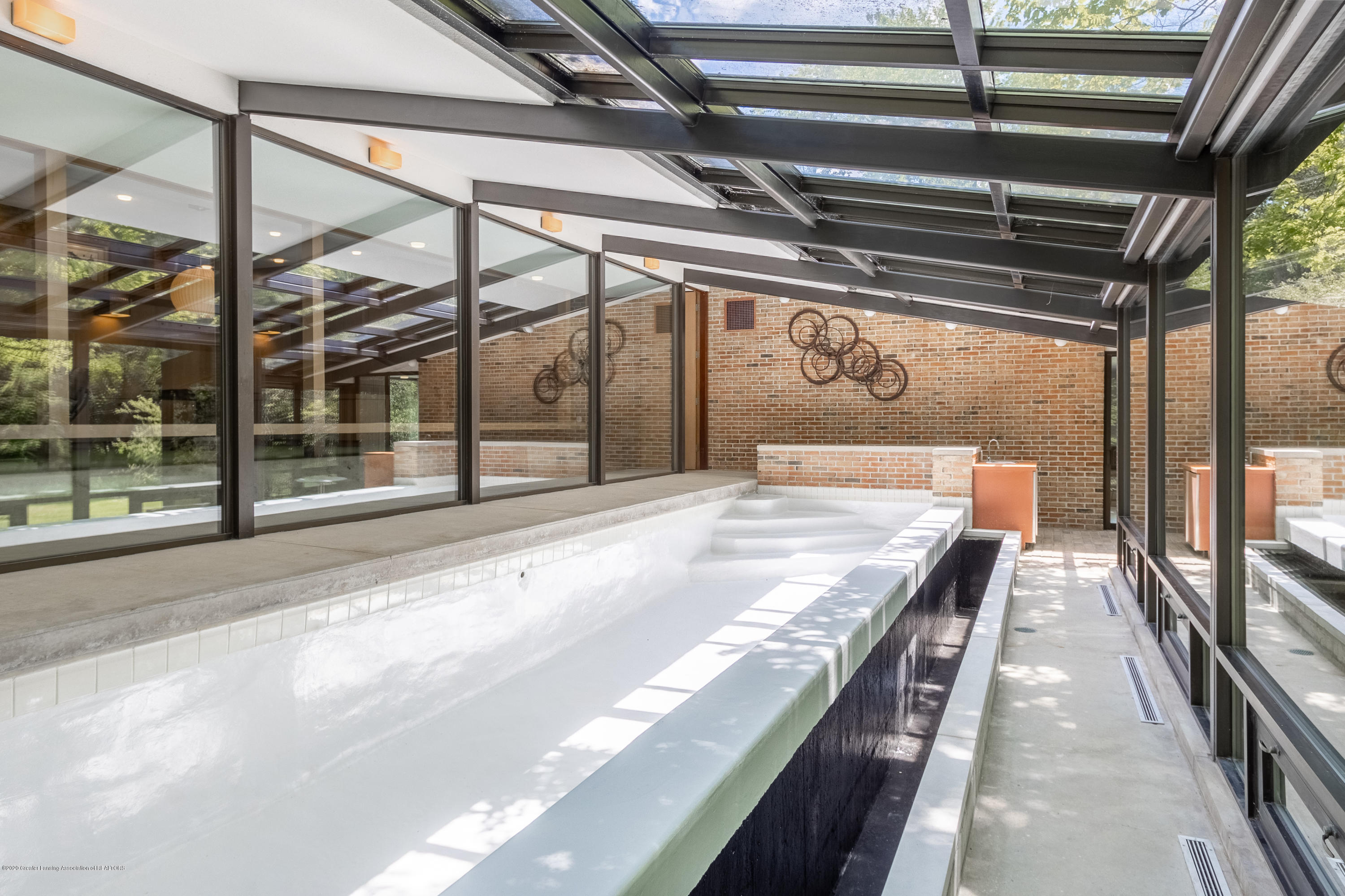 1172 Wrightwind Dr - Solarium with In-ground Infinity Pool - 39