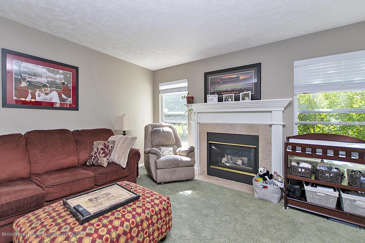 2916 Marfitt Rd # 10 - FIRST FLOOR Living Room - 4