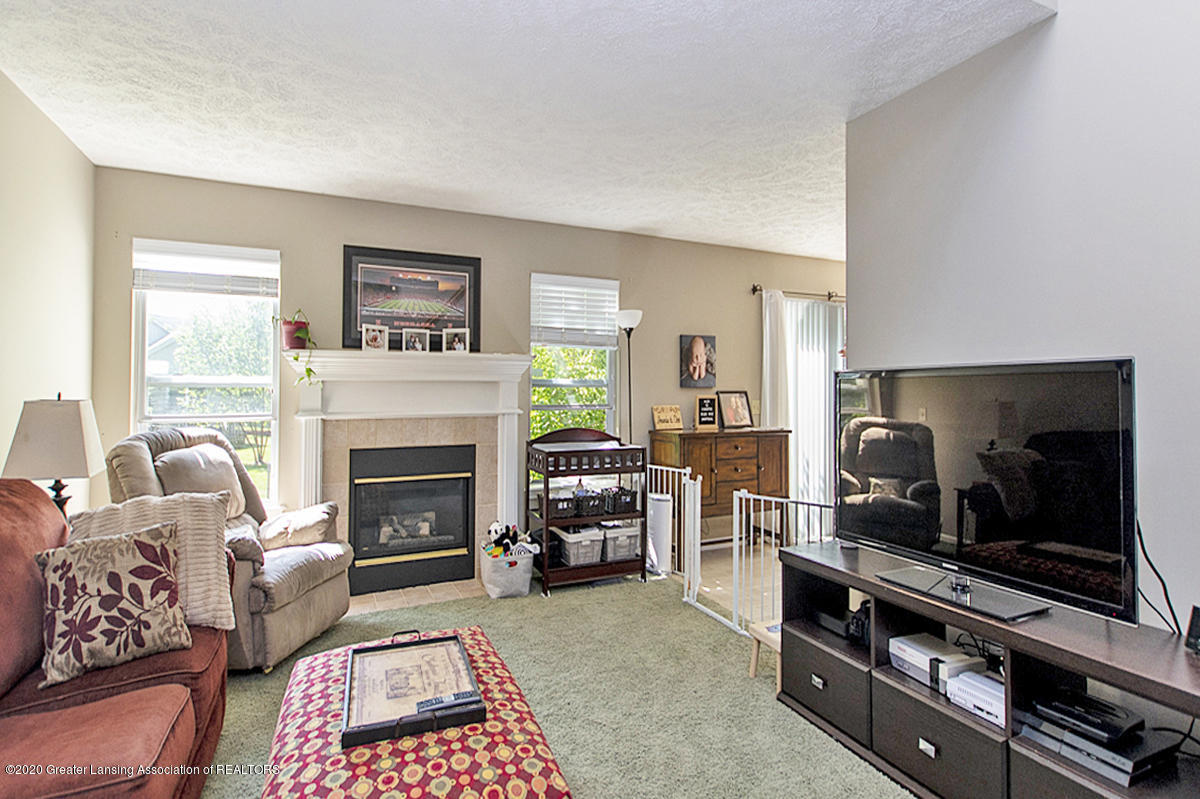 2916 Marfitt Rd # 10 - FIRST FLOOR Living Area - 5