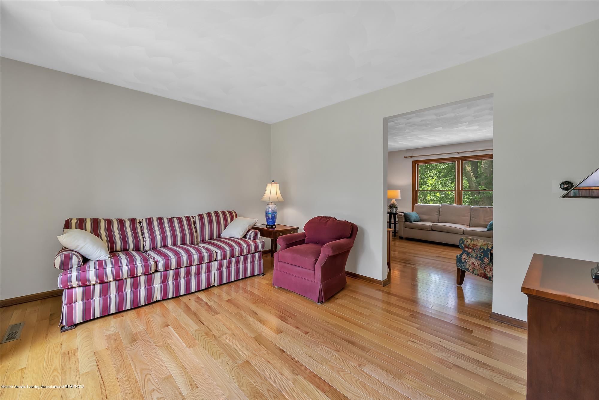 1606 Birchwood Dr - Formal Livingroom opens to familyroom - 6