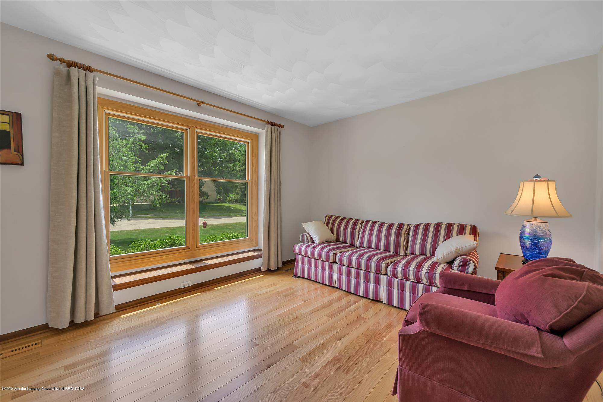 1606 Birchwood Dr - Formal Livingroom - 5
