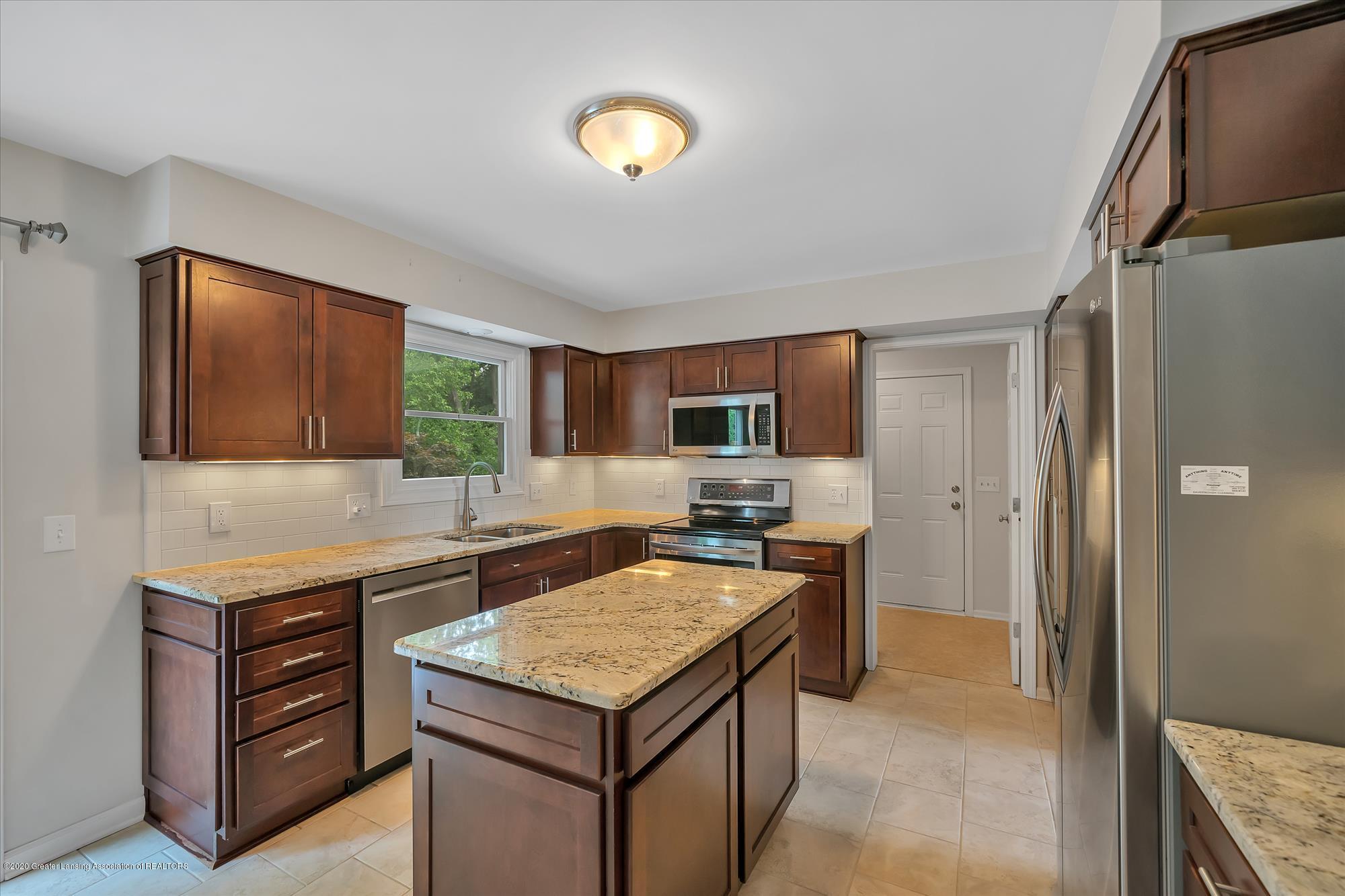 1606 Birchwood Dr - Beautifully remodeled kitchen - 10