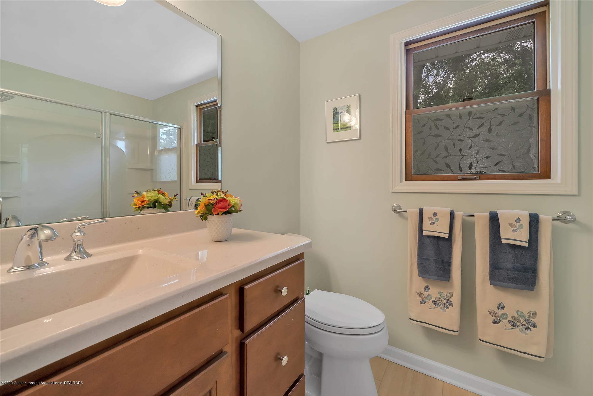 1606 Birchwood Dr - Updated Owner's suite bathroom - 18