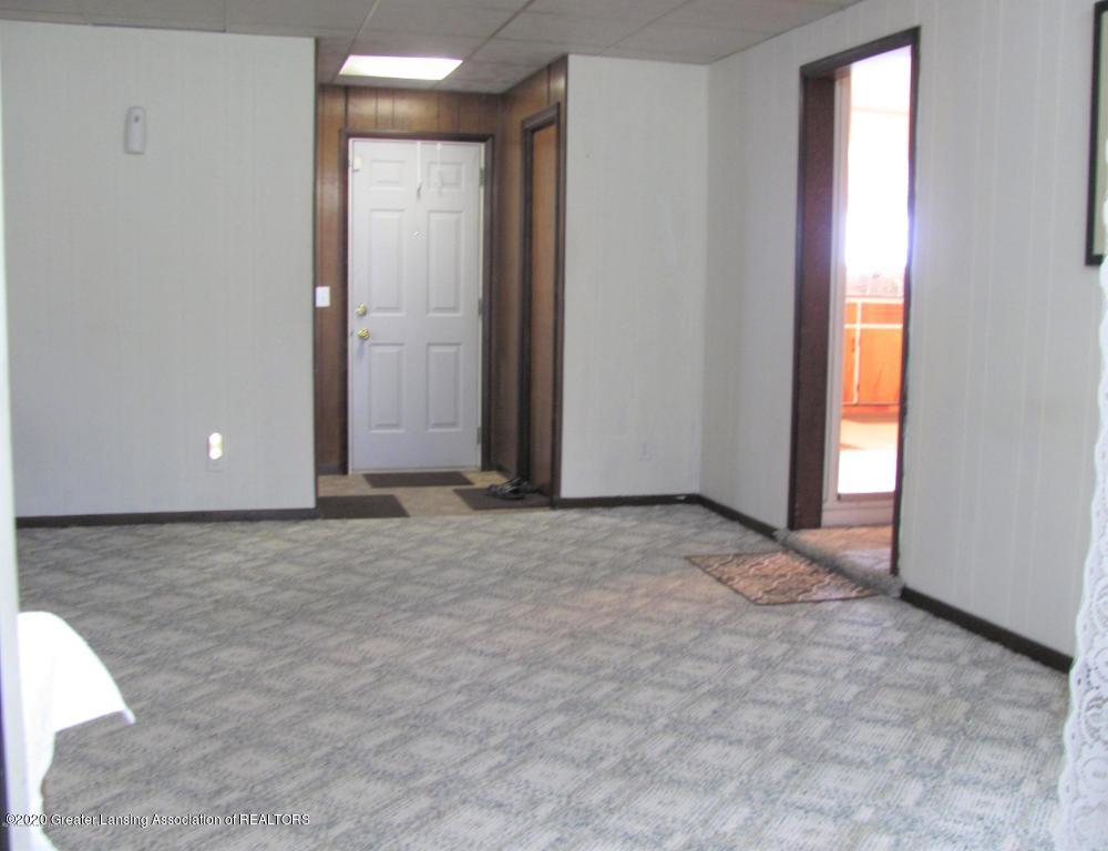 4383 Lansing Rd - Family Room - 8