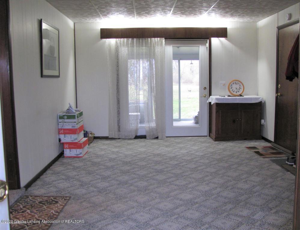 4383 Lansing Rd - Family Room - 10