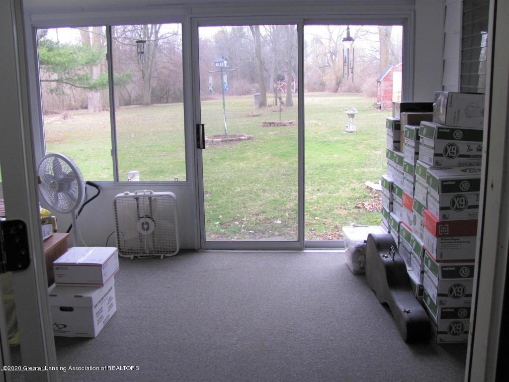 4383 Lansing Rd - Sun room - 12