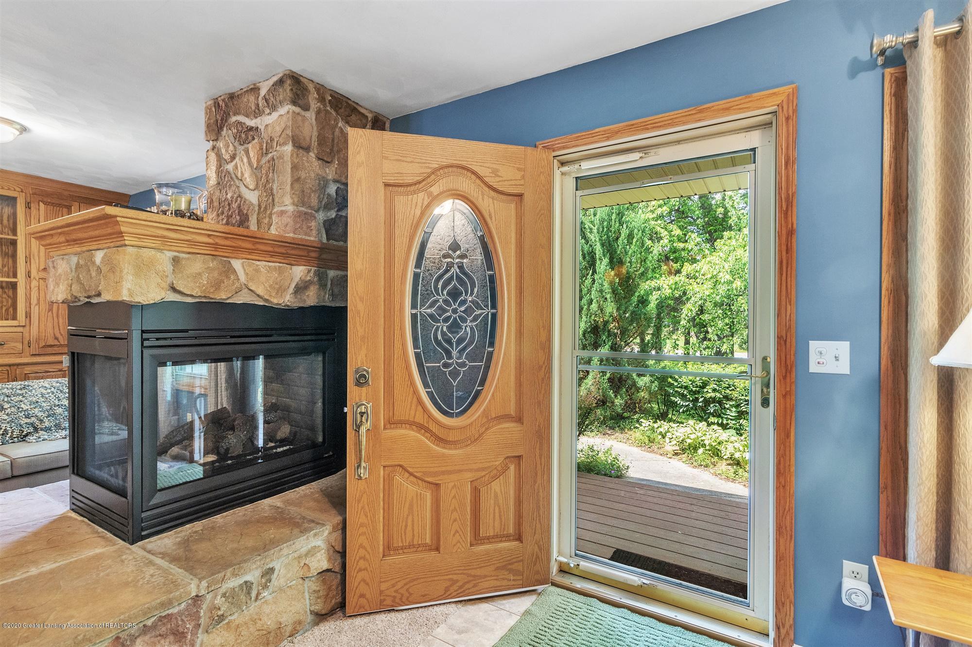 10494 Nixon Rd - 06-10494 Nixon Rd-windowstill-reale - 4