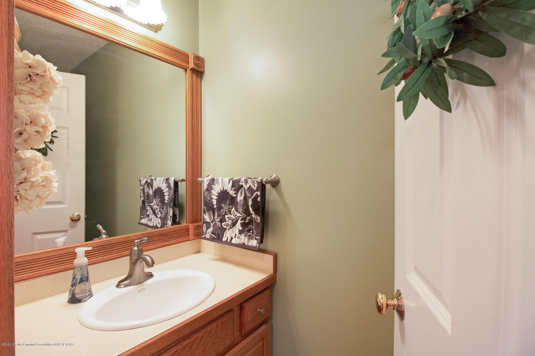 5130 Runnymede Dr - Bathroom - 28