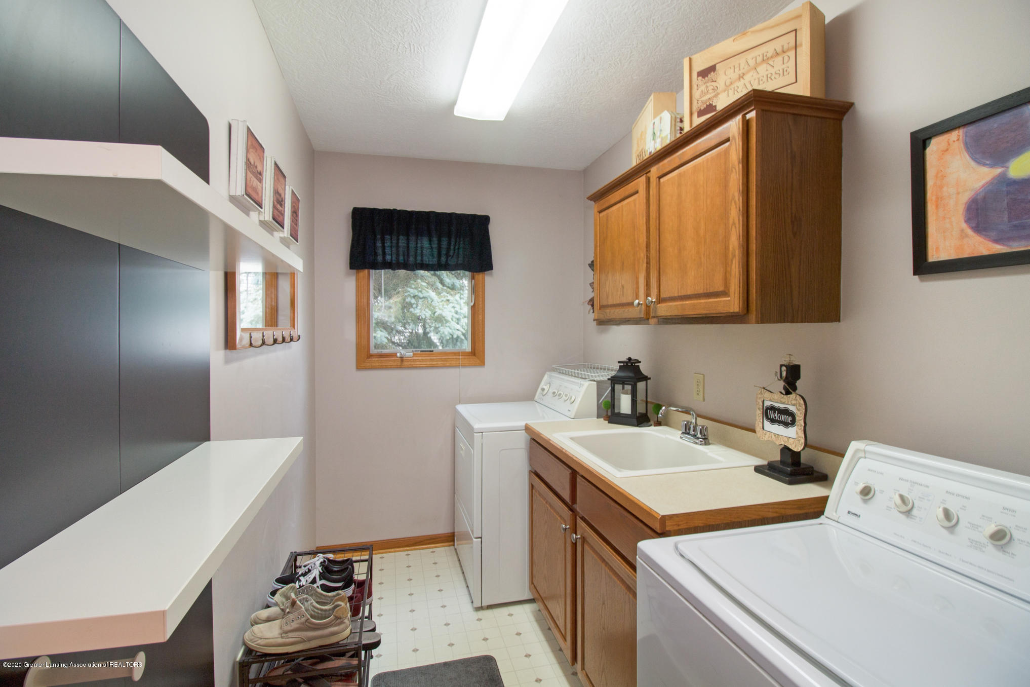 5130 Runnymede Dr - 1st Floor Laundry - 19