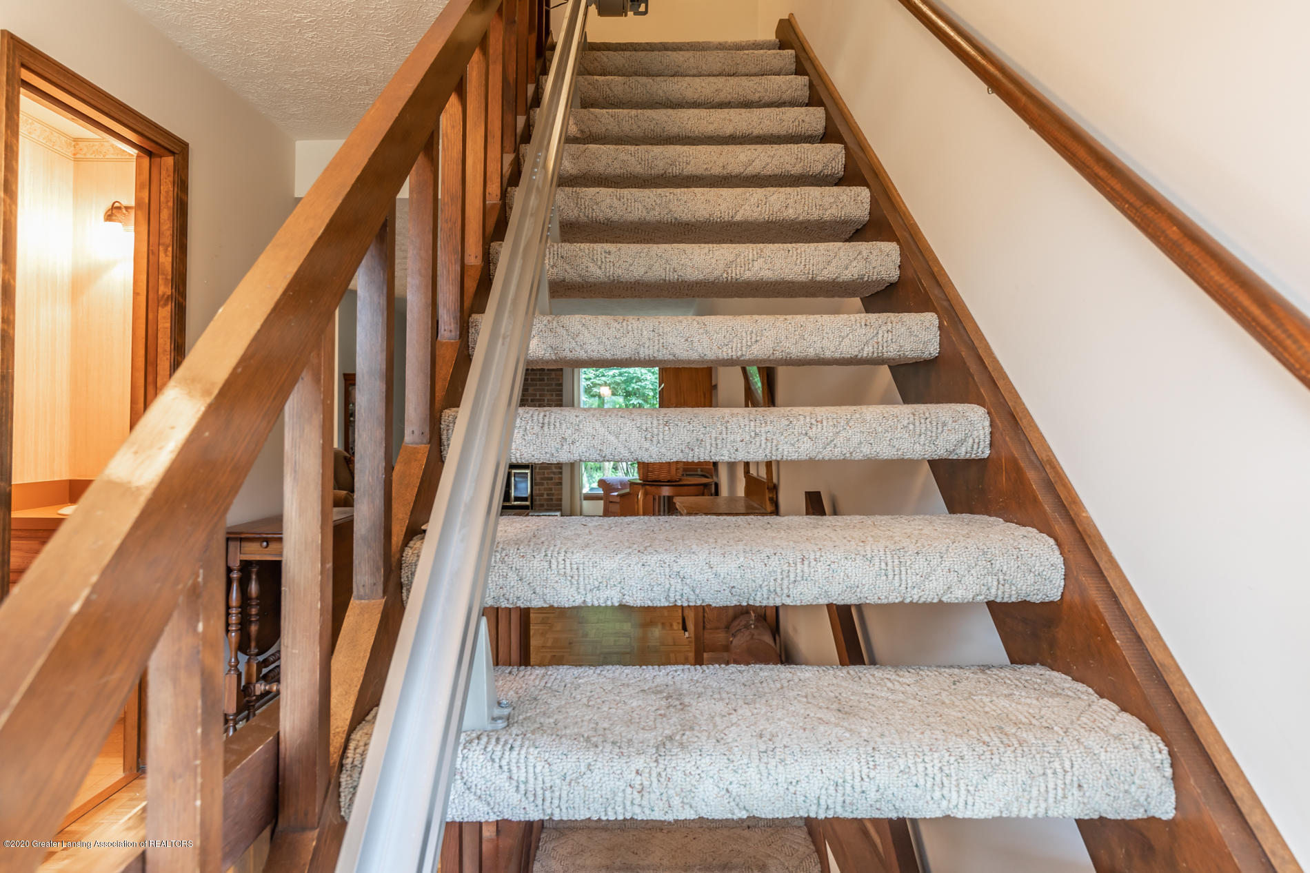 1222 Chartwell Carriage Way N - chartwellstairs2(1of1) - 14