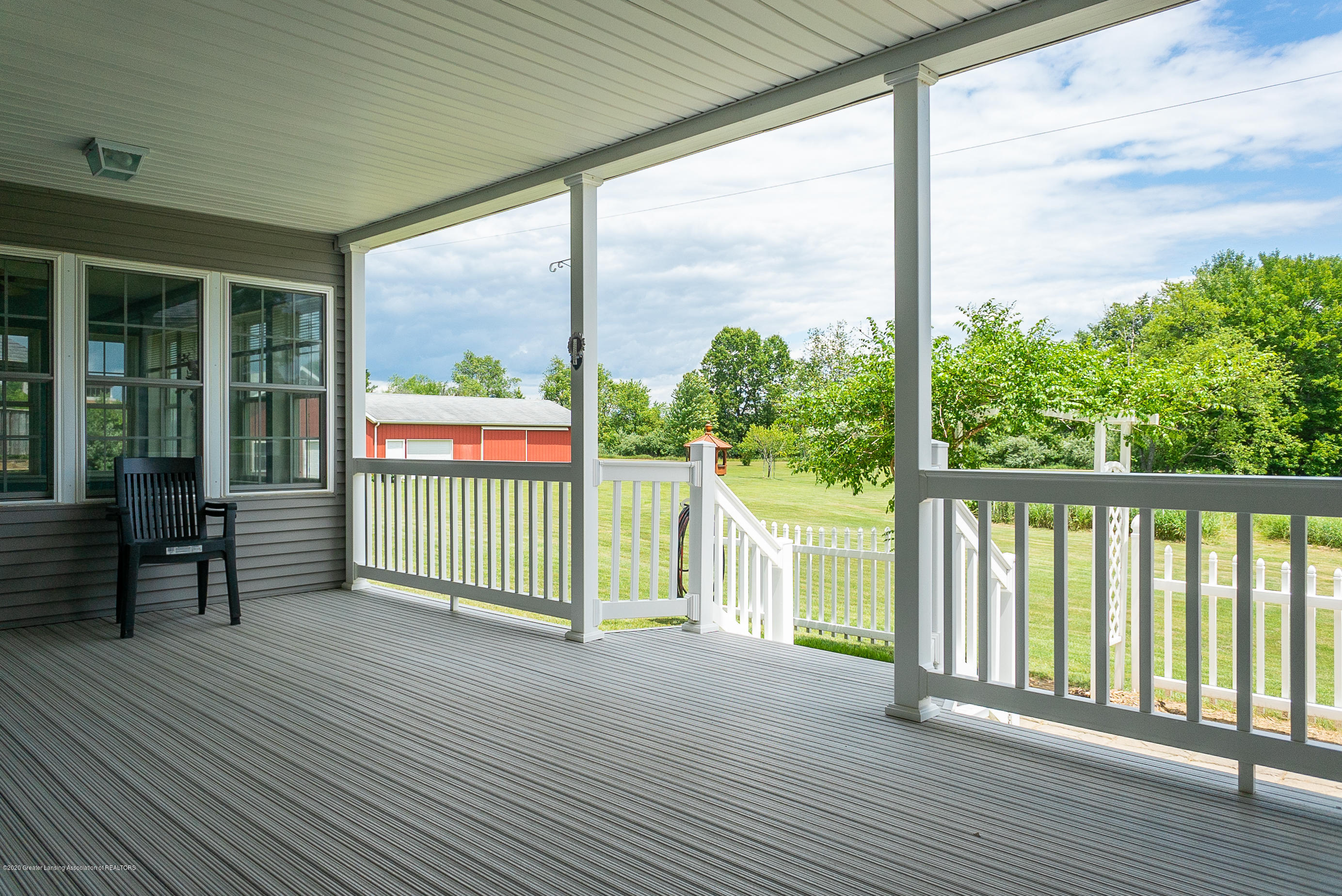 7337 Howe Rd - PorchNE - 32
