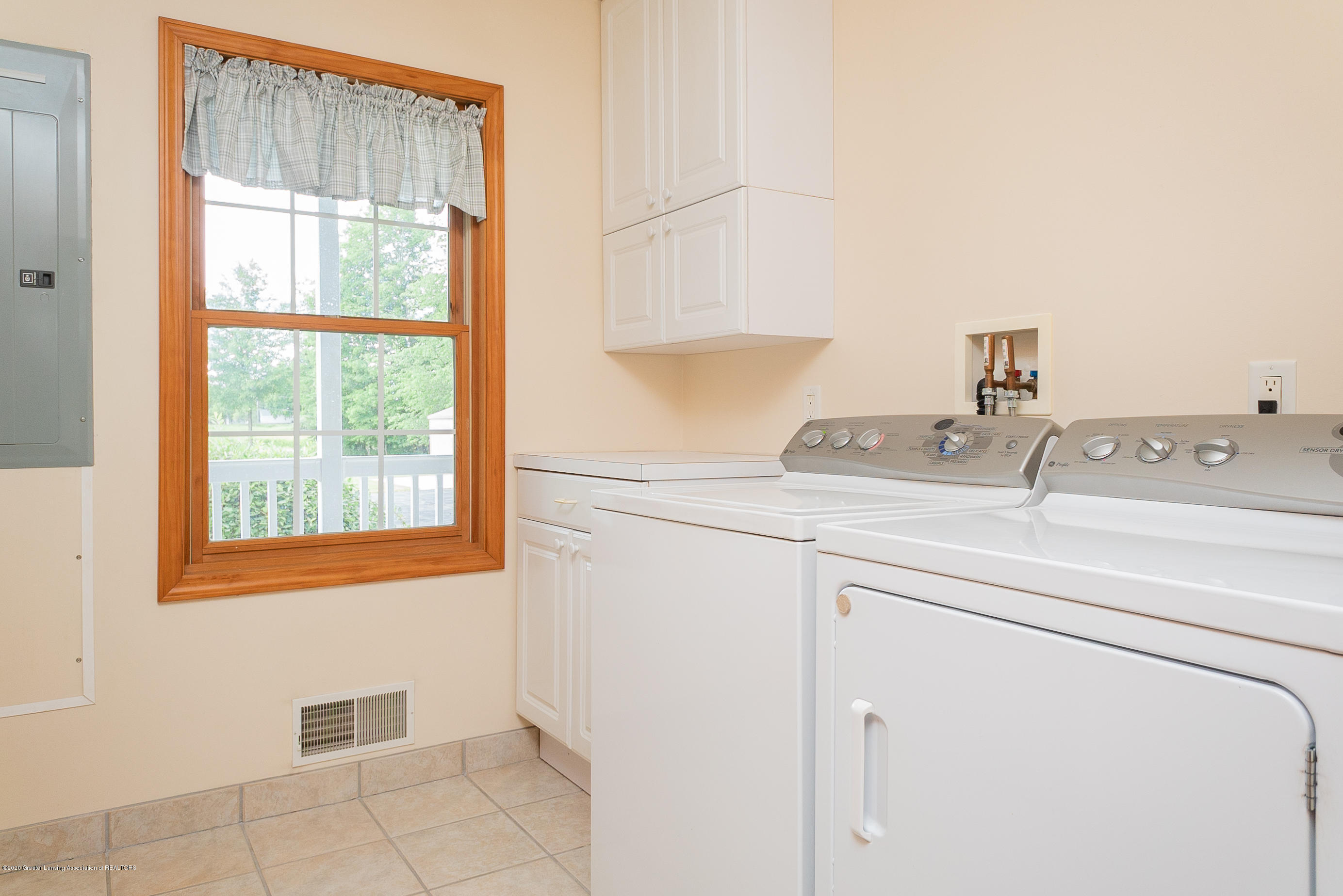 7337 Howe Rd - Laundry - 19