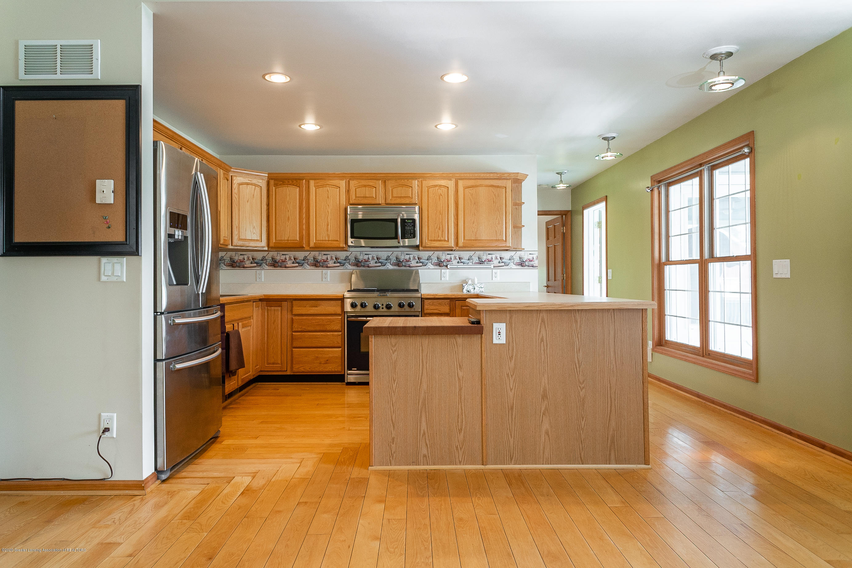 7337 Howe Rd - kitchen3 - 17