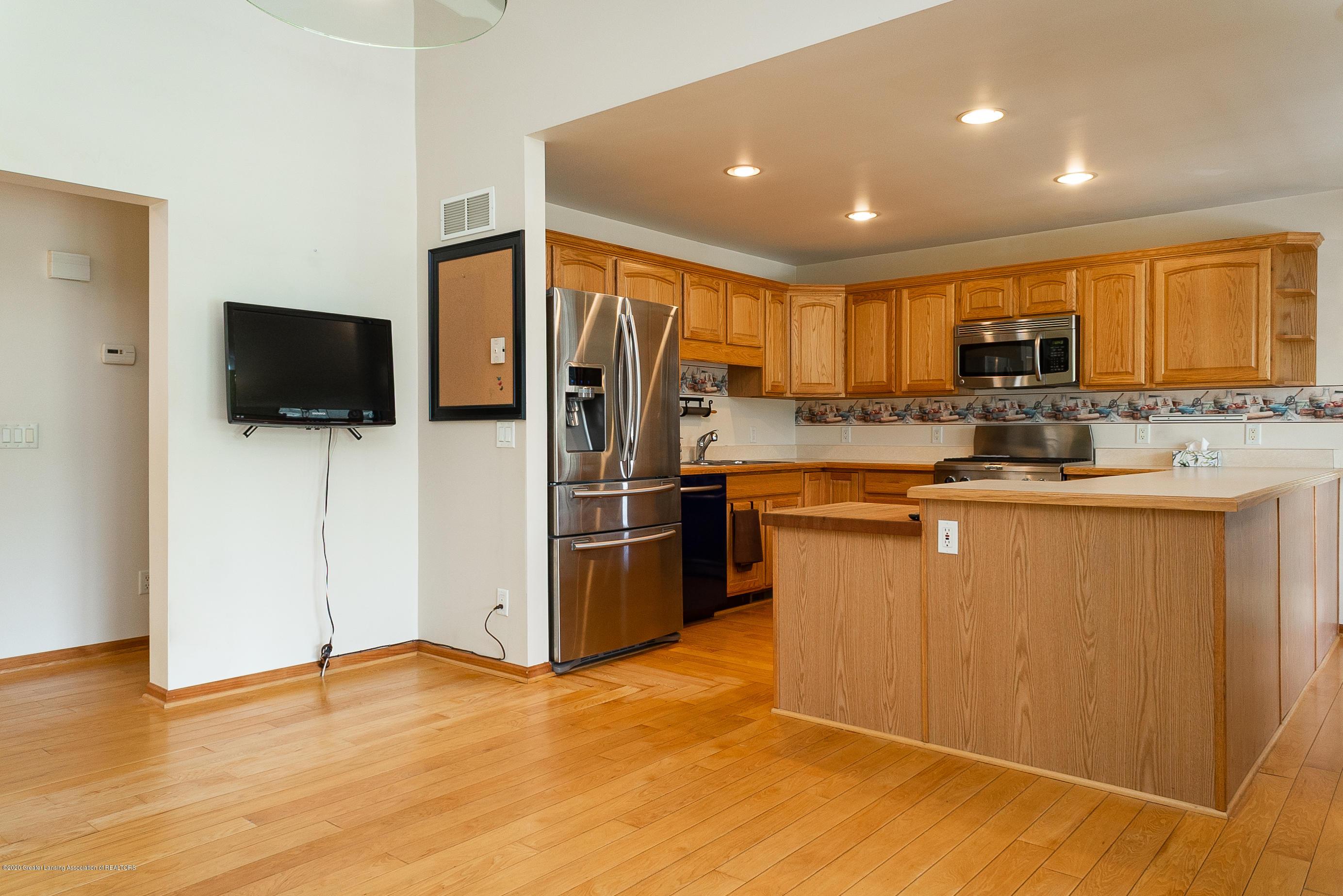 7337 Howe Rd - kitchen - 14