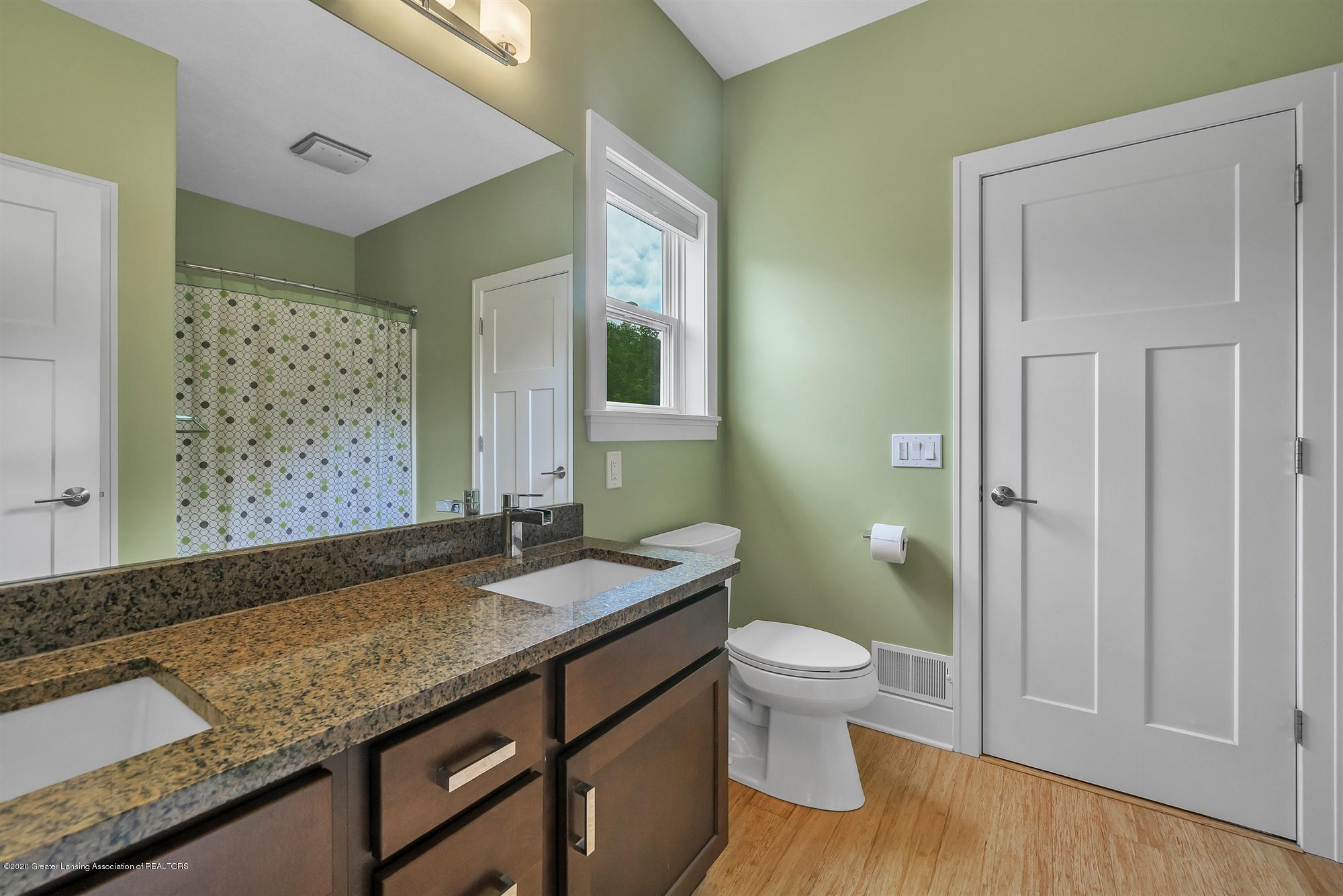 2091 Isaac Ln - MAIN FLOOR:Shared Bath - 27