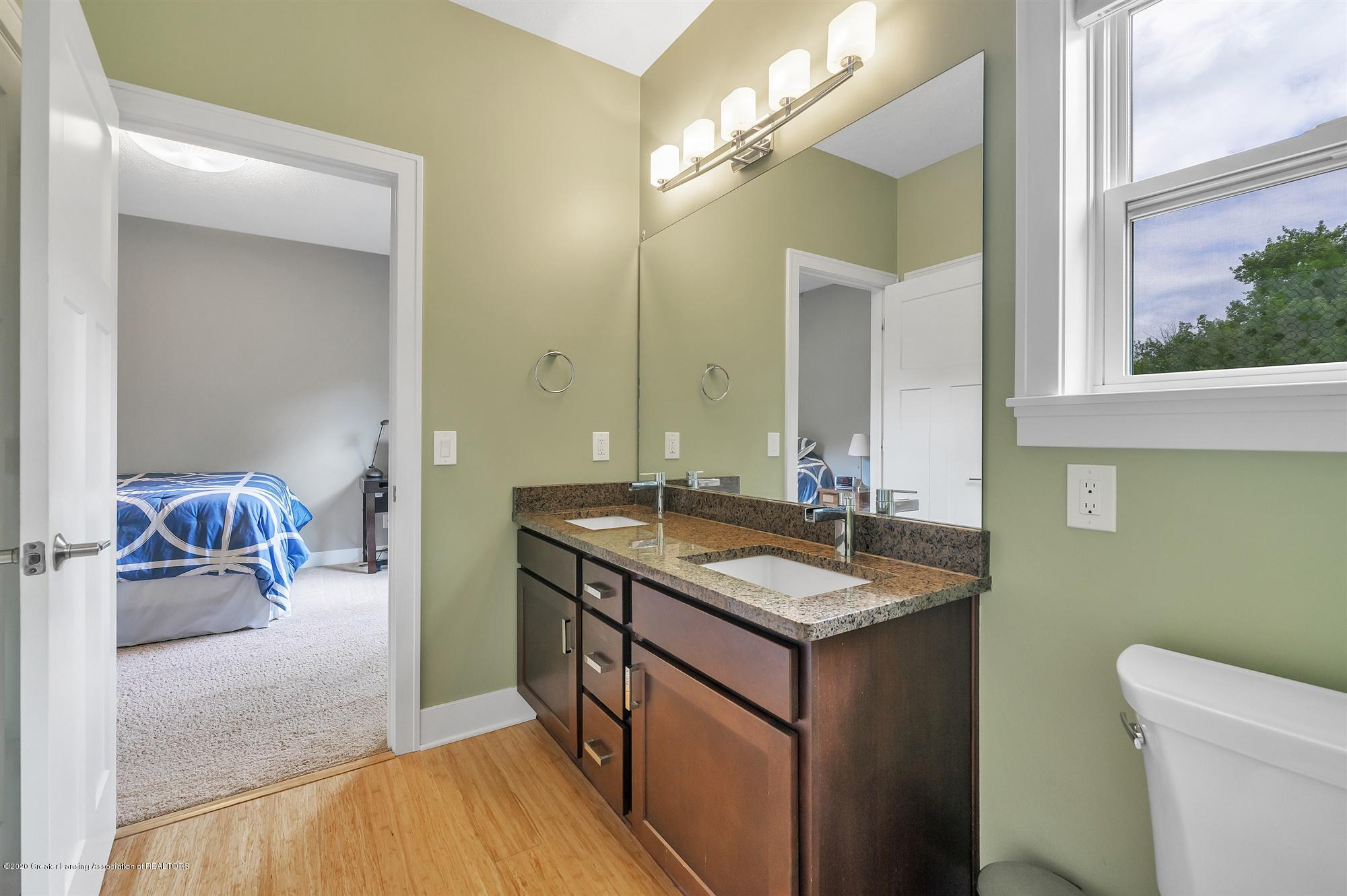 2091 Isaac Ln - MAIN FLOOR:Shared Bath - 28