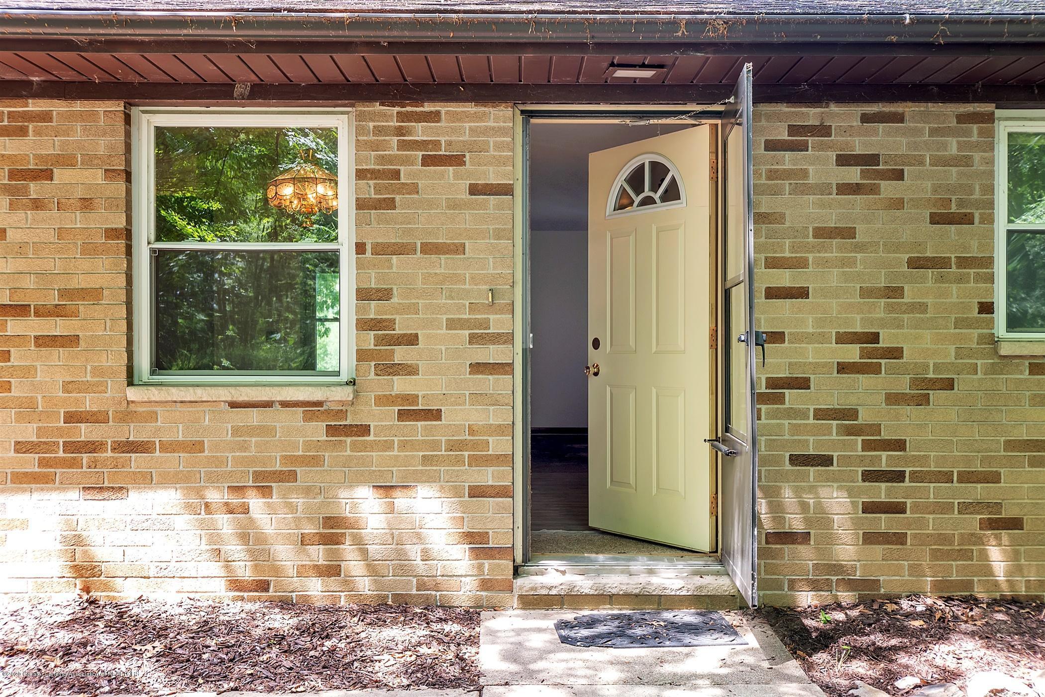 3269 S Waverly Rd - 05-3269 S Waverly Rd-windowstill-re - 6