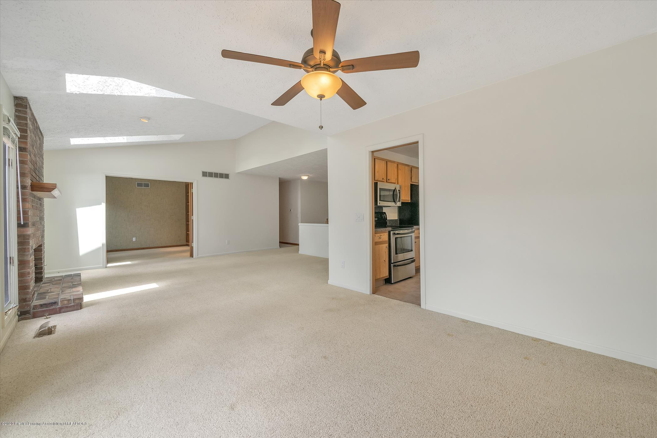 2605 Woodhill Dr - Formal DIning Area - 6