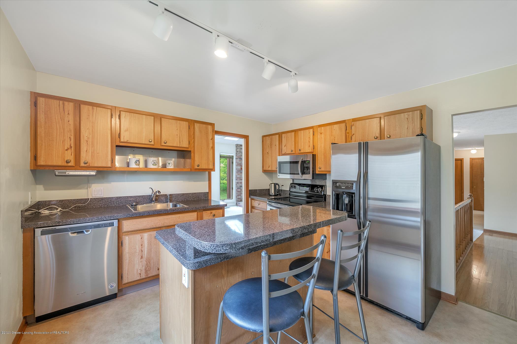 2605 Woodhill Dr - Kitchen - 7