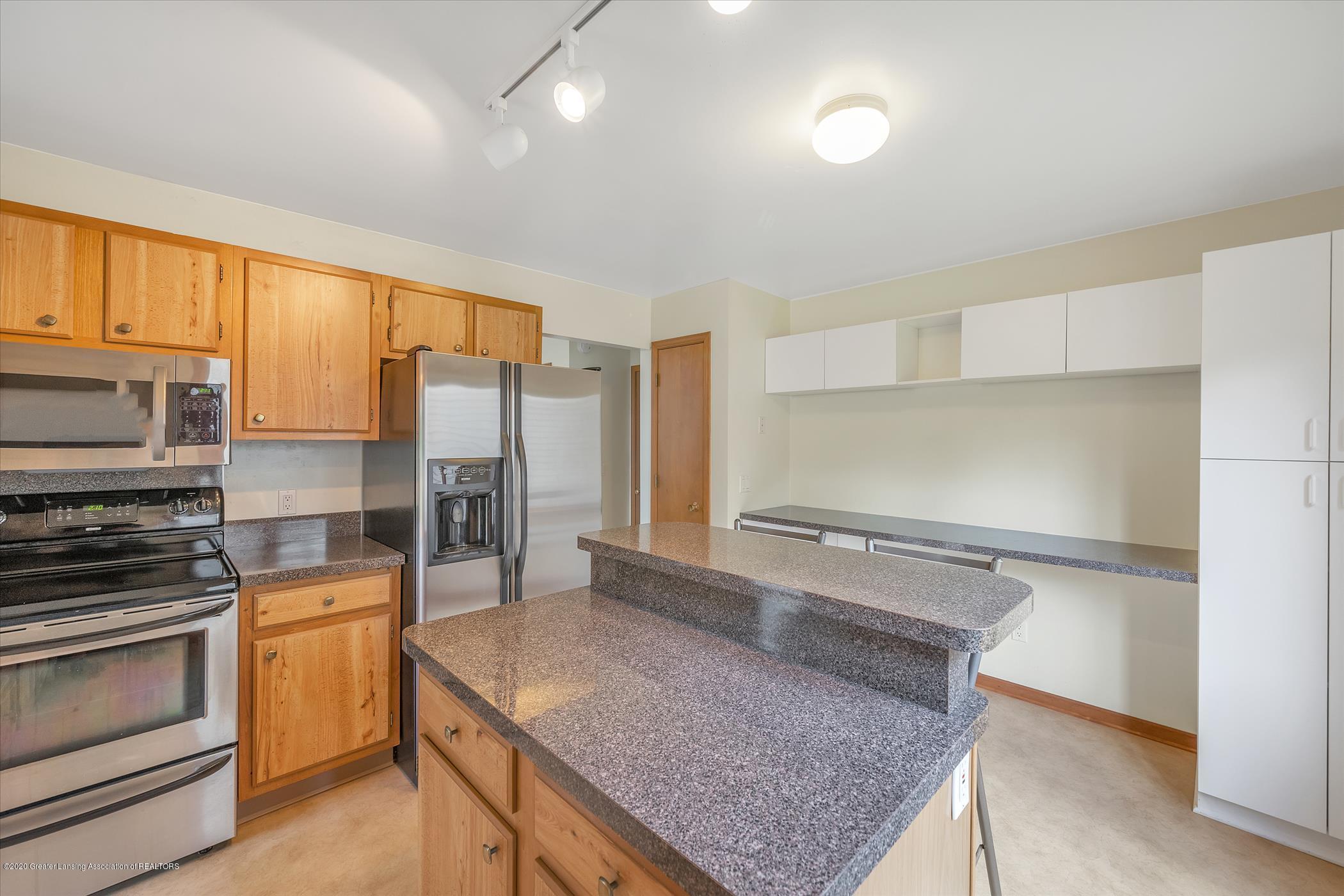 2605 Woodhill Dr - Kitchen - 8