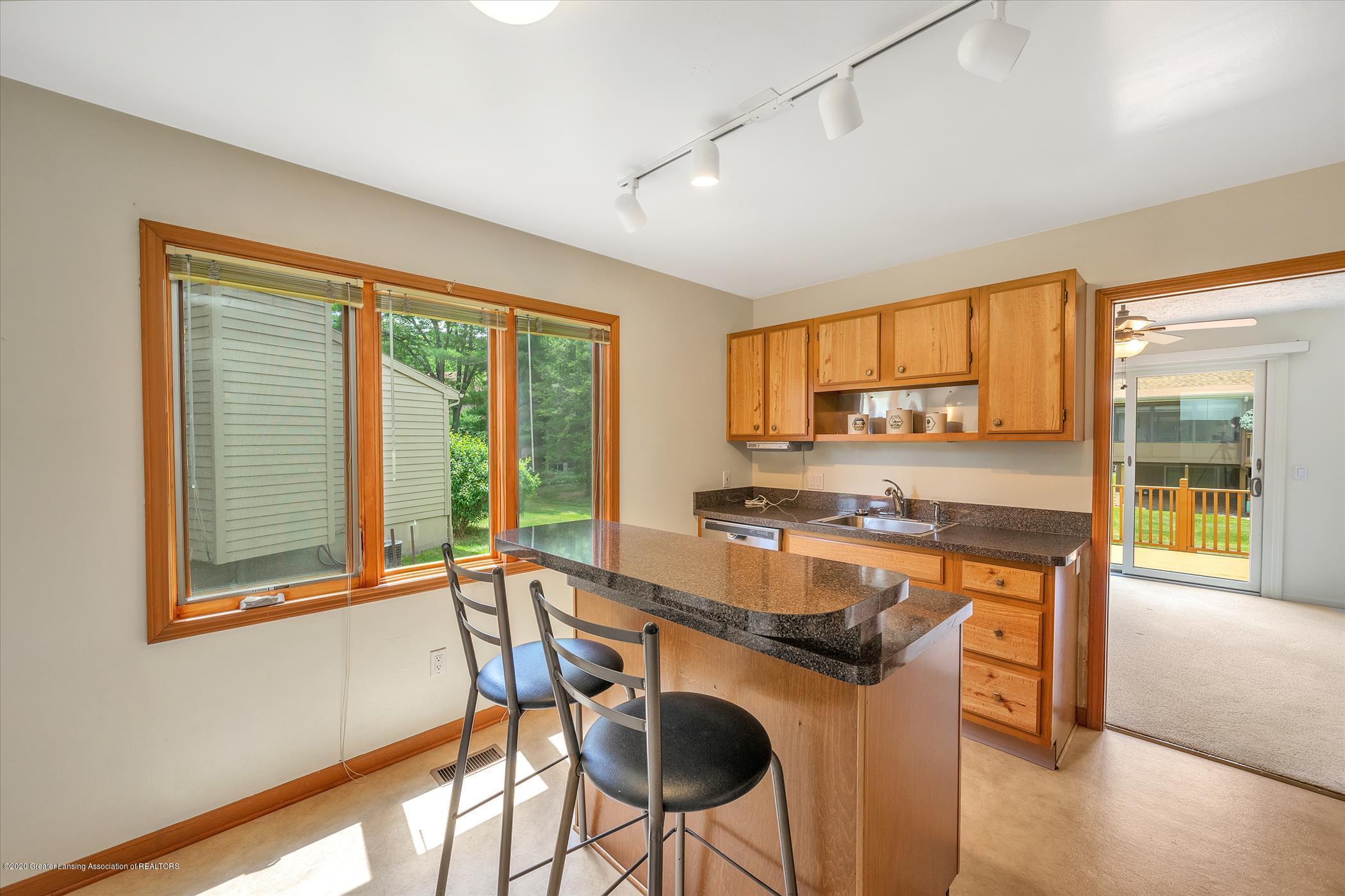2605 Woodhill Dr - Kitchen - 9