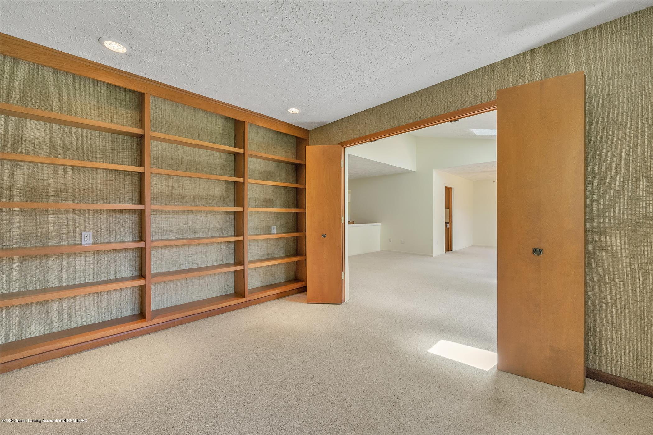 2605 Woodhill Dr - Home Office or Study - 10