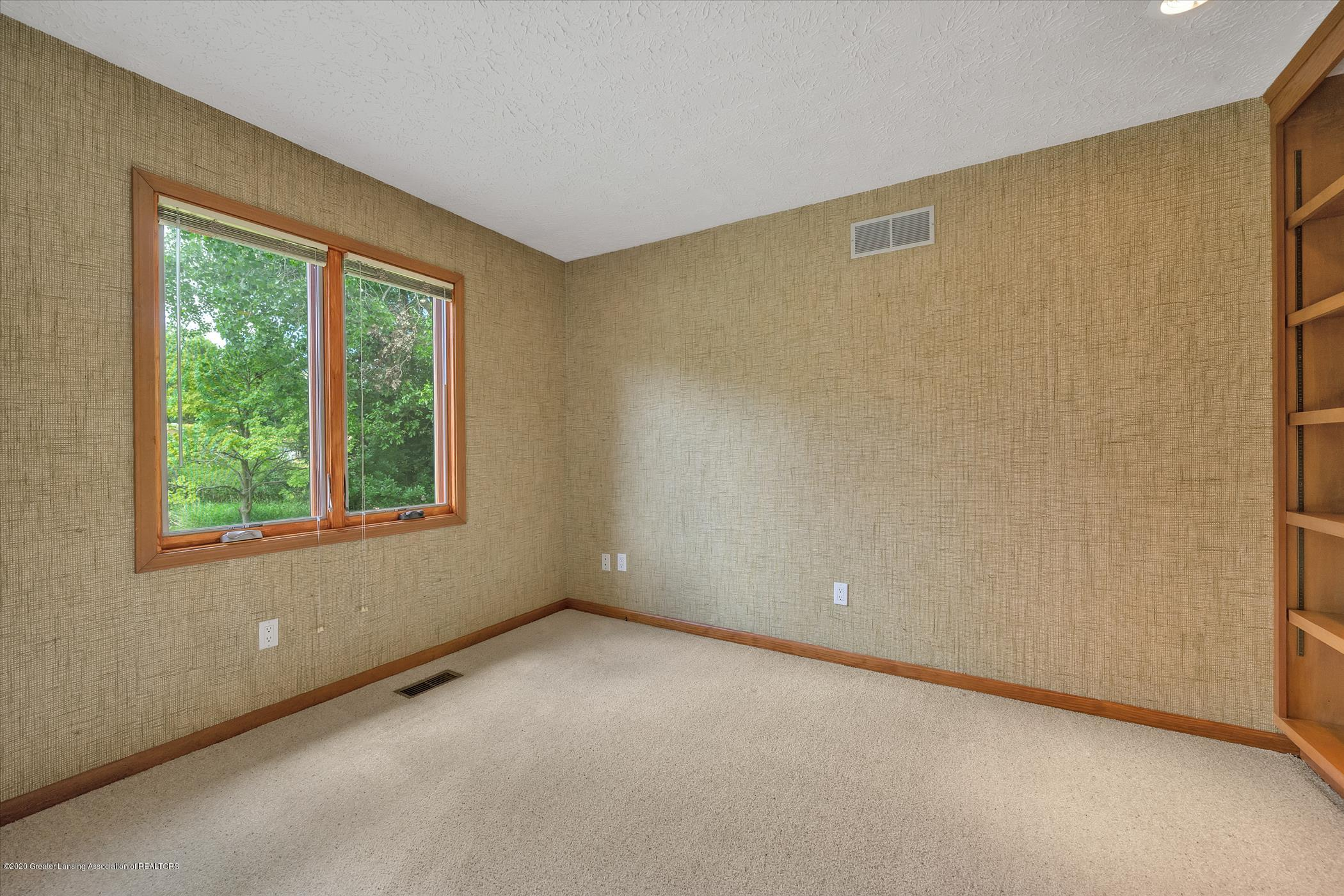 2605 Woodhill Dr - Home Office or Study - 11