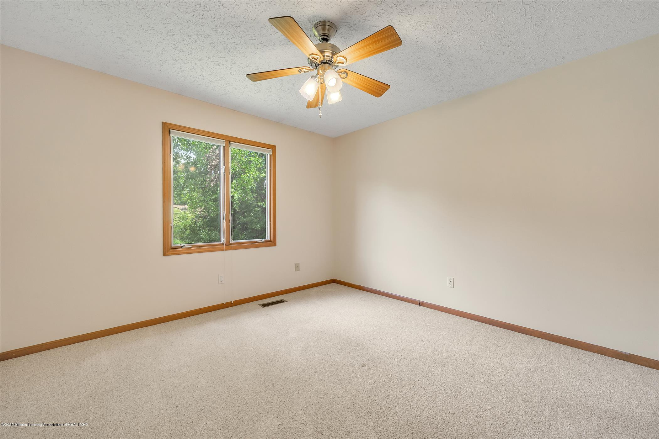 2605 Woodhill Dr - Bedroom 2 - 13