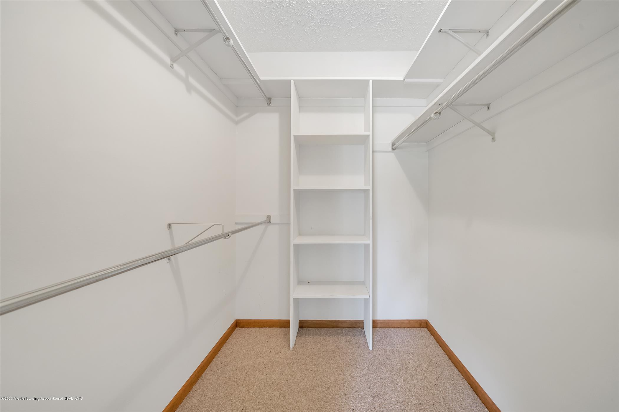 2605 Woodhill Dr - Walk in closet Owner's Suite - 19